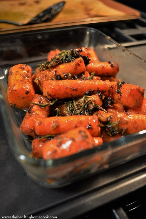 These Roasted Honey & Herb Carrots are the perfect addition for you next bbq, potluck, or spring gathering.