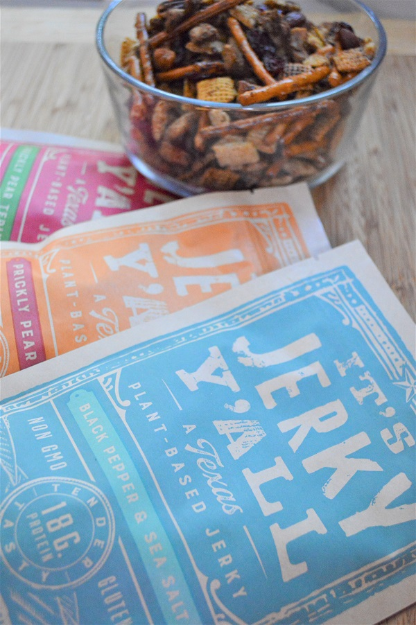 This homemade {Plant Based} Jerky Trail Mix recipe has the perfect blend of sweet and salty ingredients to satisfy that mid-afternoon snack craving.
