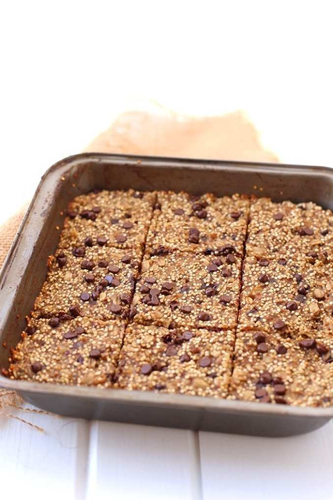 Get your quinoa in the morning with these banana and quinoa breakfast bars.  An easy, pre-cooked breakfast that's vegan, no refined sugar, and absolutely delicious.