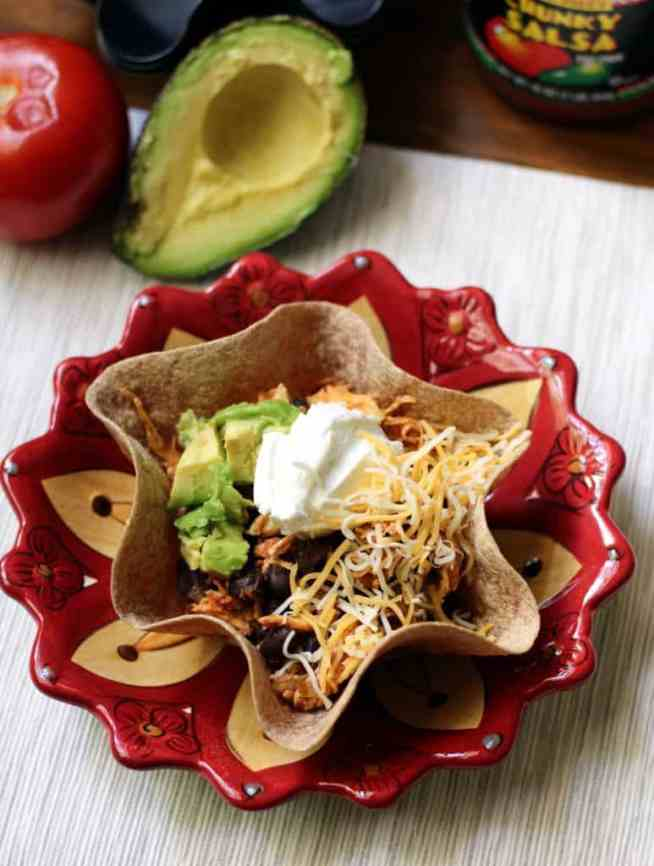 Tortilla bowl with toppings 2 (1)