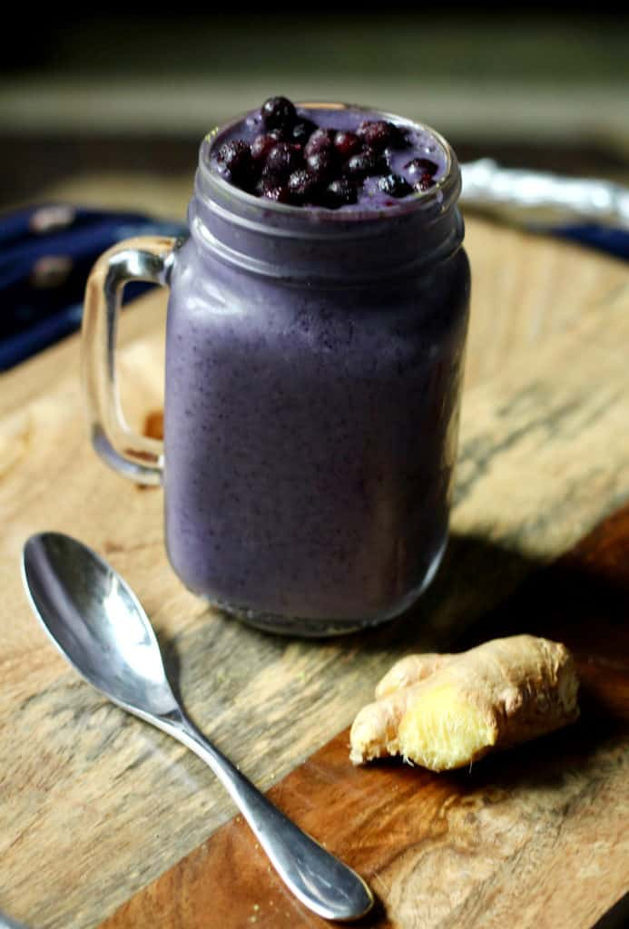 Cold-fighting wild blueberry smoothie