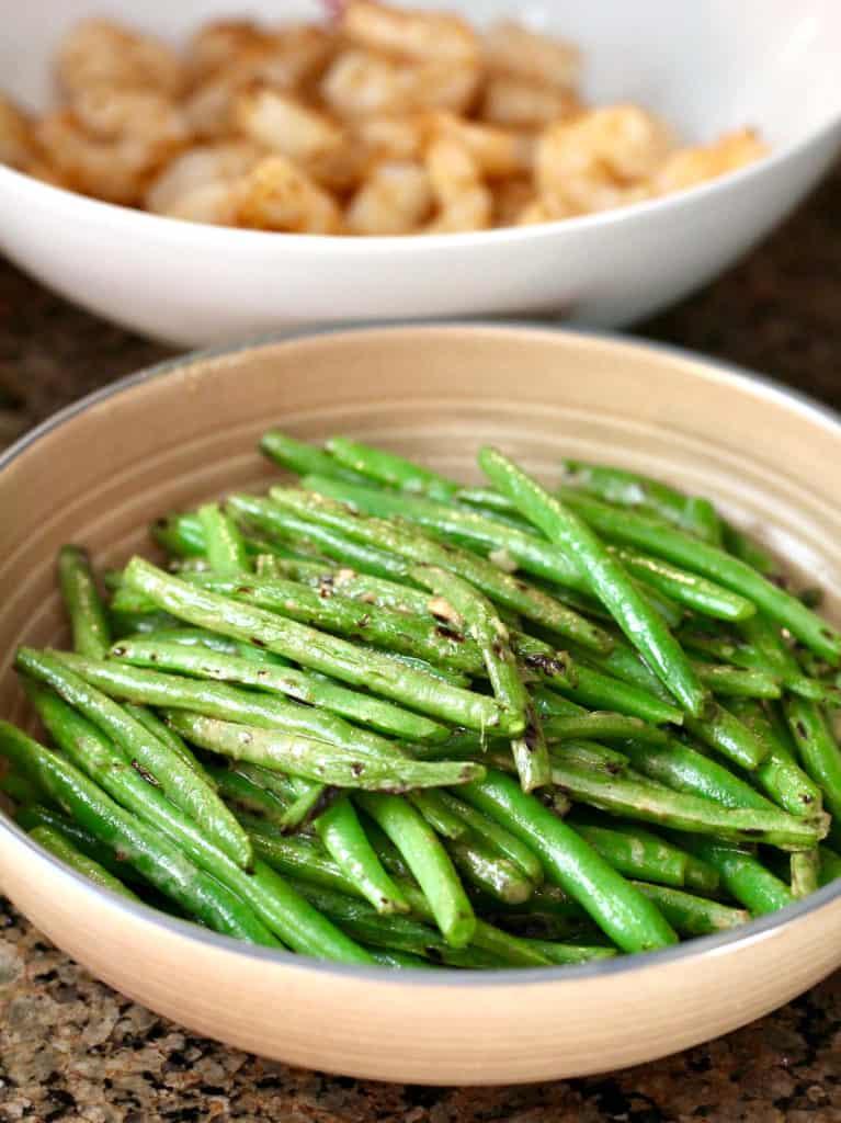 Bowl of zesty green beans