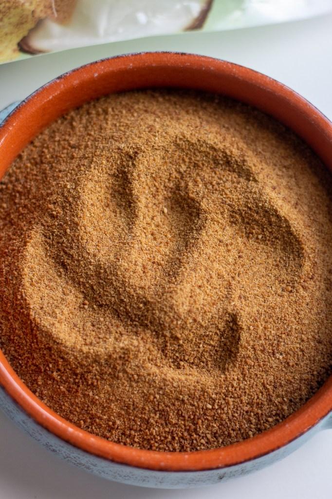 Bowl of coconut sugar