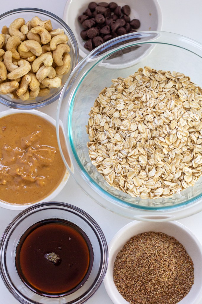 Healthy flax seed and peanut butter energy bars ingredients