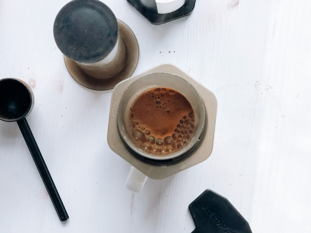 Blooming aeropress coffee