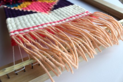 10 Tips for the Weaving Beginner: Rya Knots