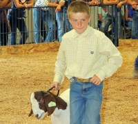 Trae Kennedy – Meeker Reserve Market Champion Goat Sold for $1,250 – Mountain Valley Bank