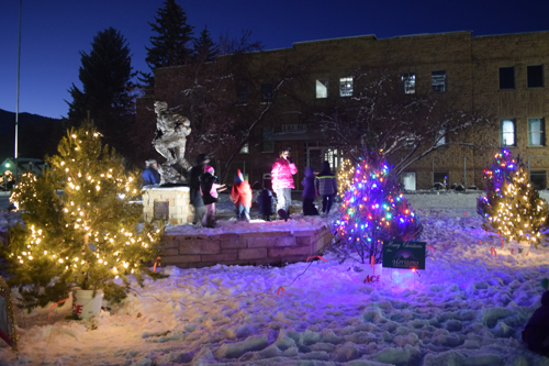 Snow arrived just in time for the ninth annual Meeker Parade of Lights, and gave the kids something to do while they waited for the parade. Niki Turner Photo