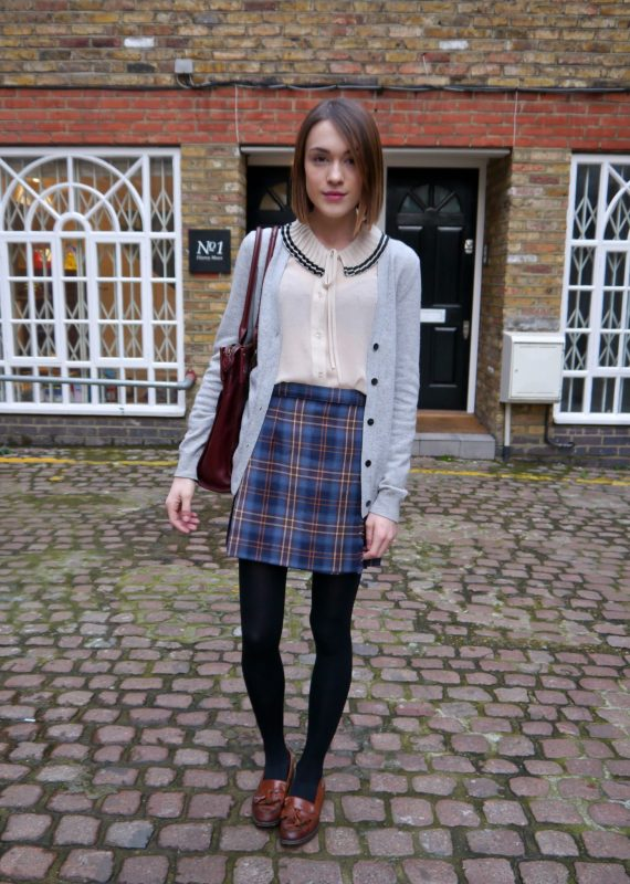 How to Wear Women's Loafers preppy style