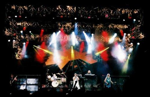 dp_stage.jpg
