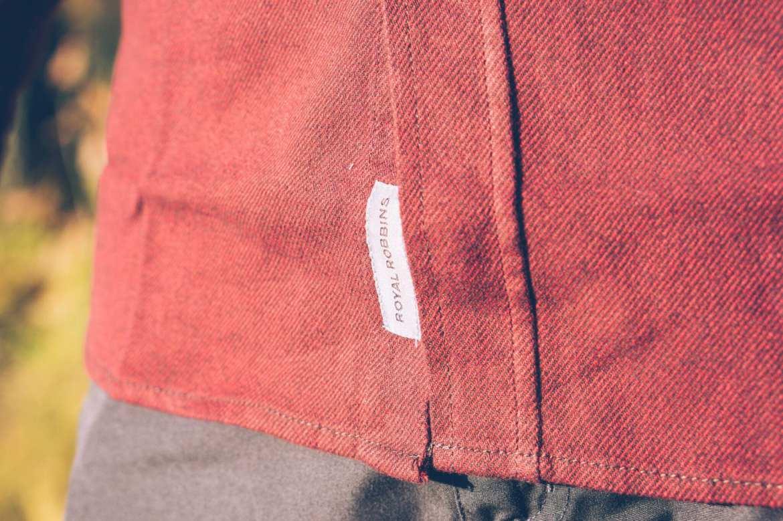 Royal Robbins houthakkersblouse label
