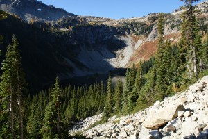 hiking, north cascades, fall colors, women hiking