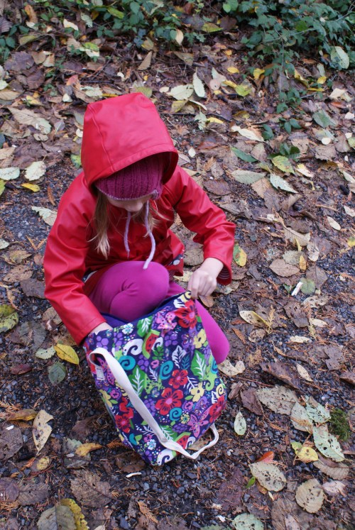 Nature Exploration bag, kids in nature, green hour