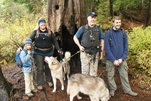 hiking with children, talapus lake, kids on the trail