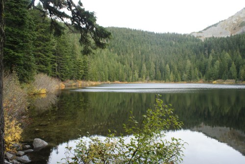 hiking with kids, children in nature, lake hikes I-90, alpine lakes wilderness