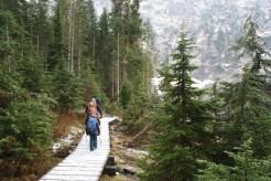 lake 22 trail, hiking with children, kids hiking, fall, winter