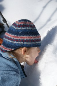 kids in snow, snowshoeing with children
