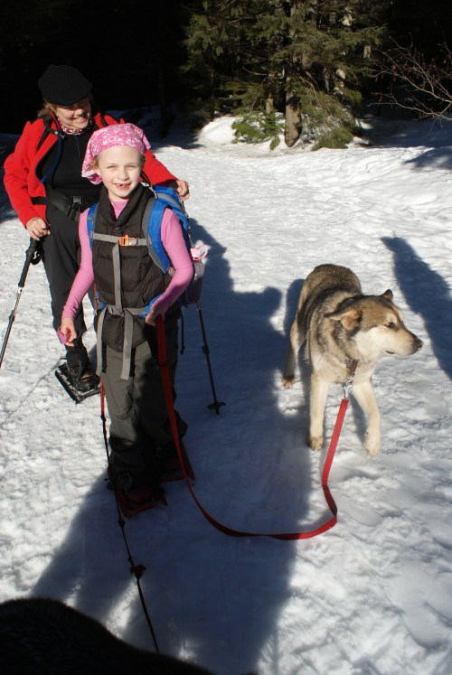 kids and dogs, snowshoeing washington, gold creek, hiking with kids