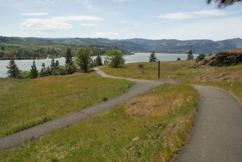 columbia river gorge, nature trails, accessible hikes, washington spring hikes