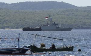 Indian Navy sends DSRV to help Indonesian Navy search for missing submarine
