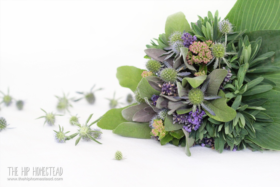 How to Make Herbal Bouquets 3 Easy Ways - The Hip Homestead