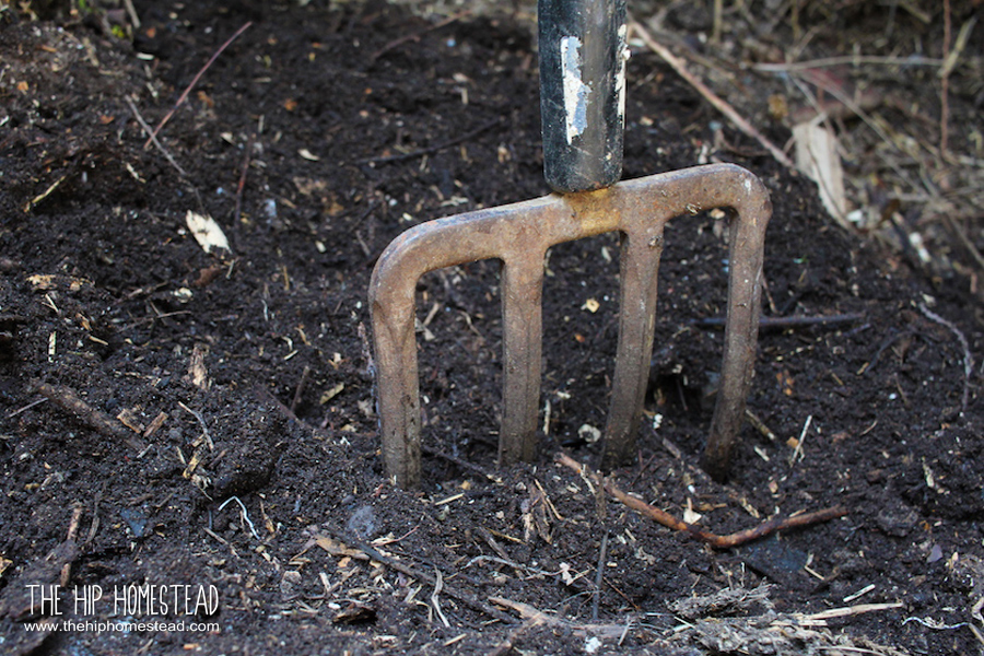 Organic Compost: A beginners guide to composting - The Hip Homestead