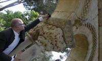 Gerardo Boto measures cloister column