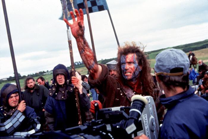 Mel Gibson behind this scene in 'Braveheart' (1995)