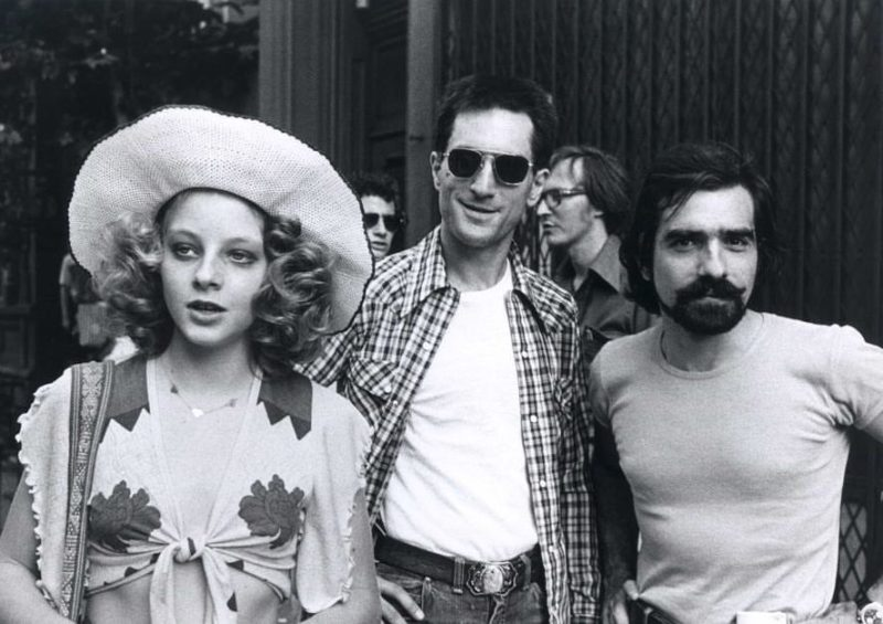 Jodie Foster, Robert De Niro and Martin Scorsese behind the scenes of 'Taxi Driver' (1976)