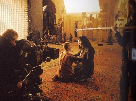 Hugo Weaving and Natalie Portman behind the scenes of