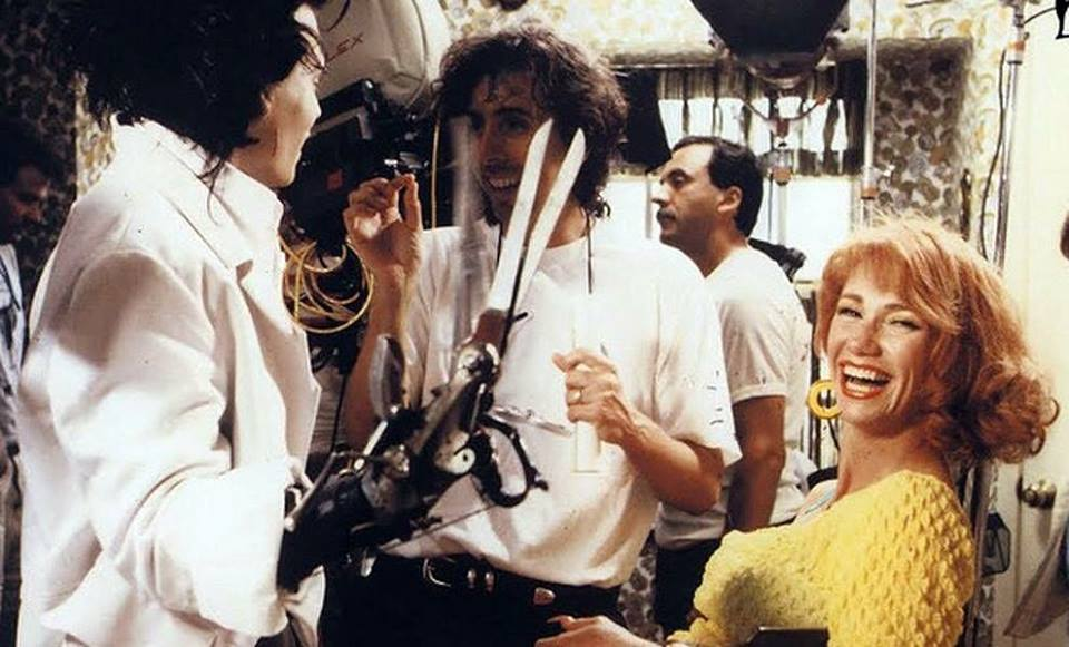 Tim Burton, Johnny Depp and Kathy Baker behind the scenes of 'Edward Scissorhands' (1990)