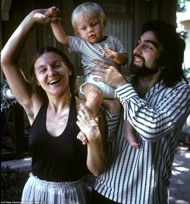 Baby Leonardo DiCaprio with his Mum and Dad, 1976