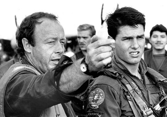 Director Tony Scott and Tom Cruise on the set of 'Top Gun' (1986)