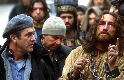 Mel Gibson directing Jim Caviezel in