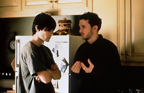 Daren Aronofsky directing Jared Leto behind the scenes of 'Requiem for a Dream' (2000)