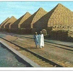 Image Groundnut Pyramids