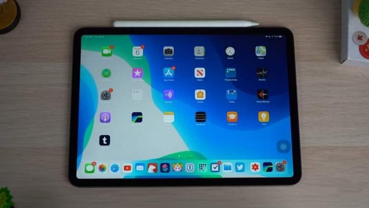 Apple iPad 7th generation display