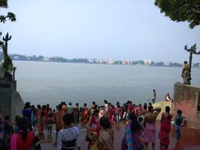 Dakshineswar Kali temple holy bath area