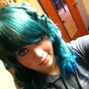 Rockin' the BLUE HAIR.