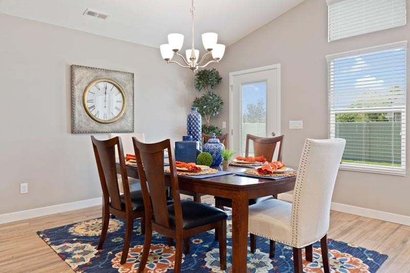 Patterned Dark Rugs for the Dining Space