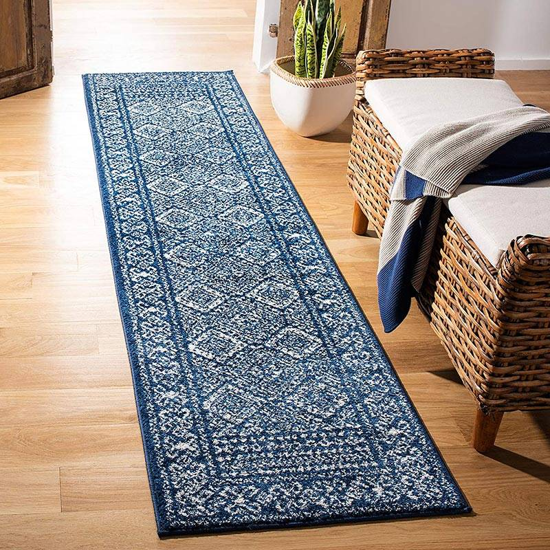 Decorating Hardwood Floors with Area Rugs   Ideas With Pictures 3