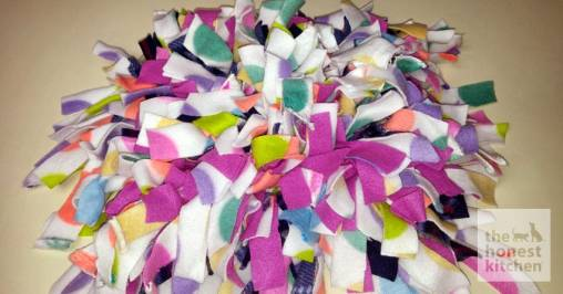 Diy Make Your Dog Or Cat A Snuffle Mat The Honest