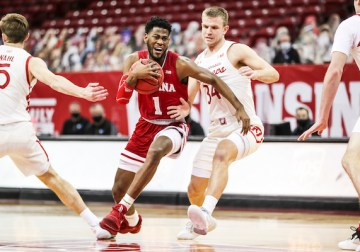 Indiana misses opportunity at No. 8 Wisconsin, but upperclassmen and bench players shine