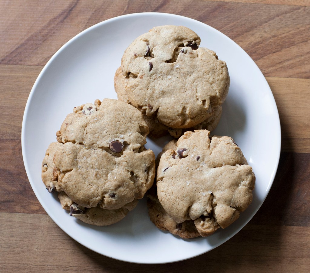 whiskey-rye-chocolate-chip-cookies