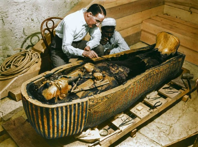 Revisiting the discovery of Tutankhamun's Tomb in Colour