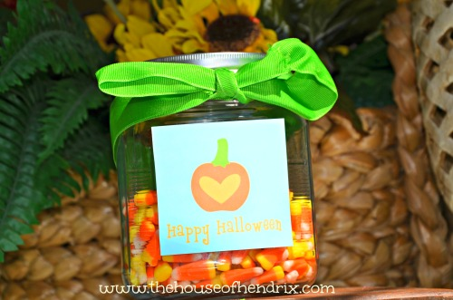 Turn a jar into a cute gift or centerpiece with these cute Halloween printables