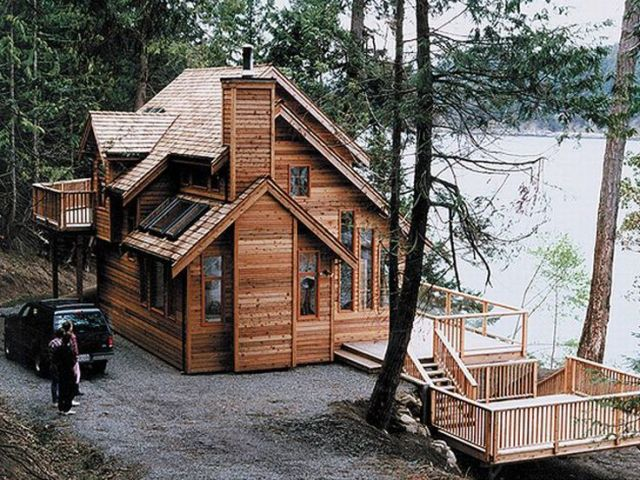 Waterfront House Plans   Waterfront Home Plan Makes Nice Vacation     Waterfront Home Photo  010H 0003