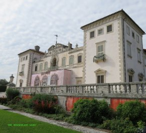 The front facade of Vizcaya
