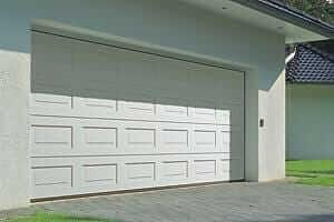 Garage doors repair and maintenance