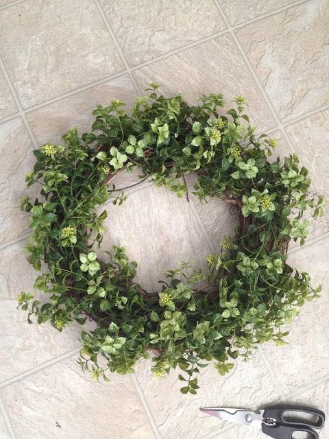 Easy Garland Wreath DIY
